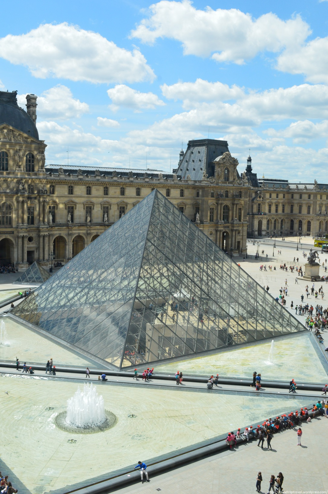 LOUVRE NEW WM