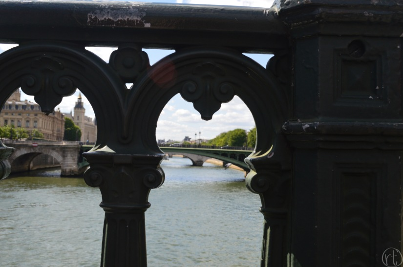 seine-river-bridge-paris-france-round-trip-travel