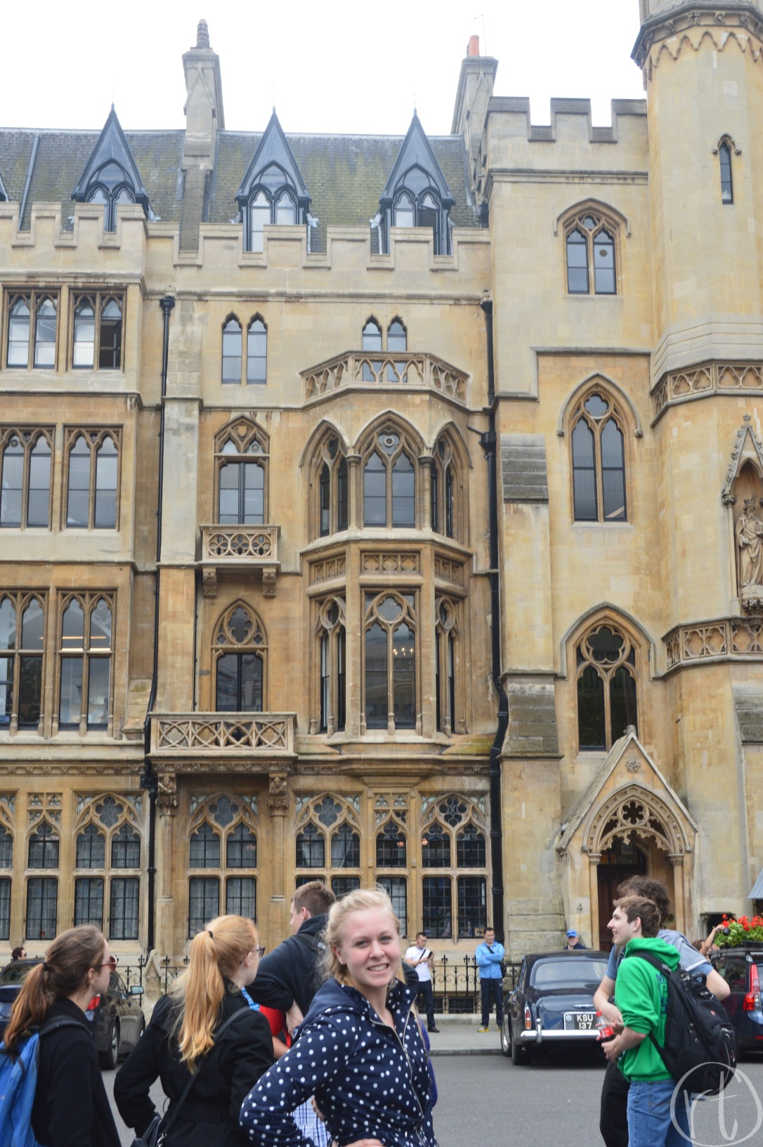 westminster-abbey-london-england-uk-rain-jacket-travel
