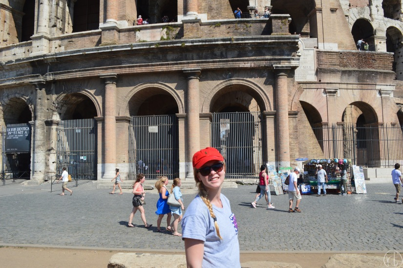 colosseum-rome-italy-round-trip-travel