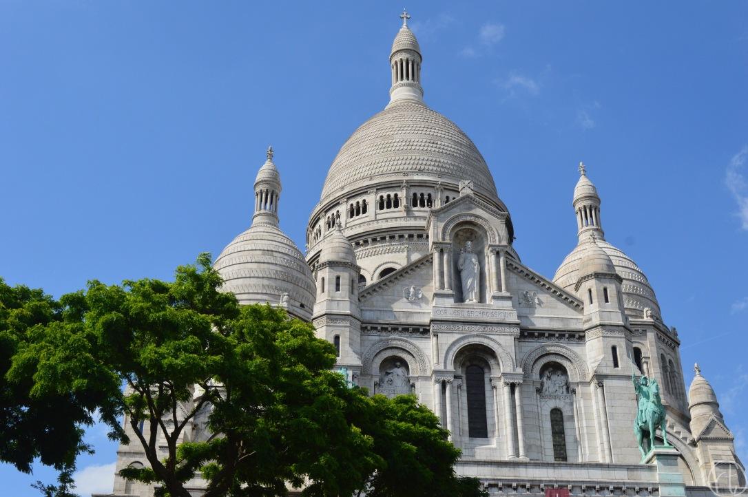 sacre-coeur-basilica-montmartre-paris-france