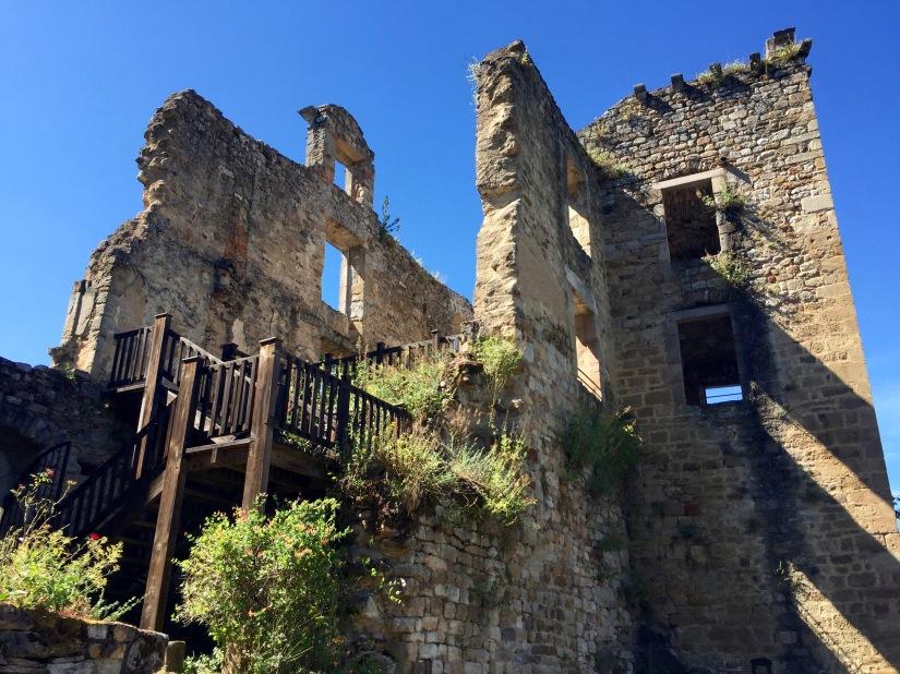 chateau laguepie ruins