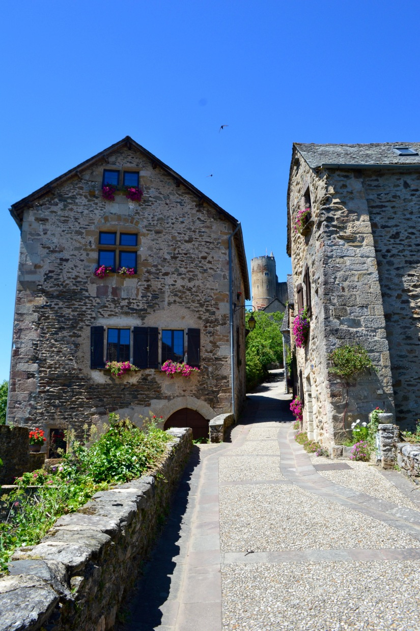cobblestone streets rues najac france travel