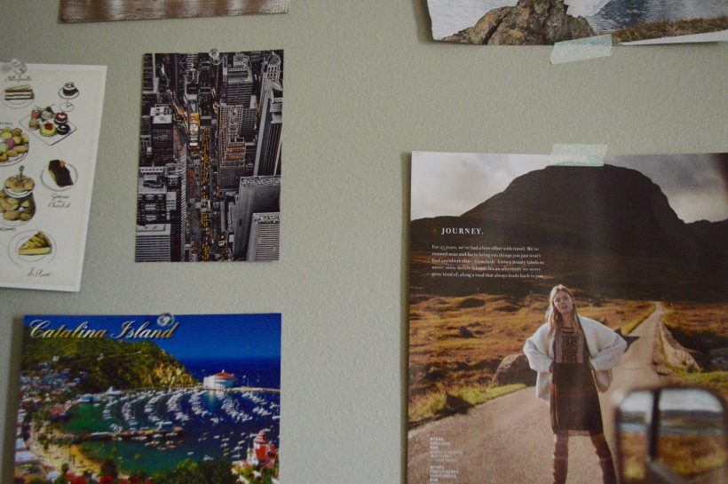 How to Design Wall Display Travel Round Trip